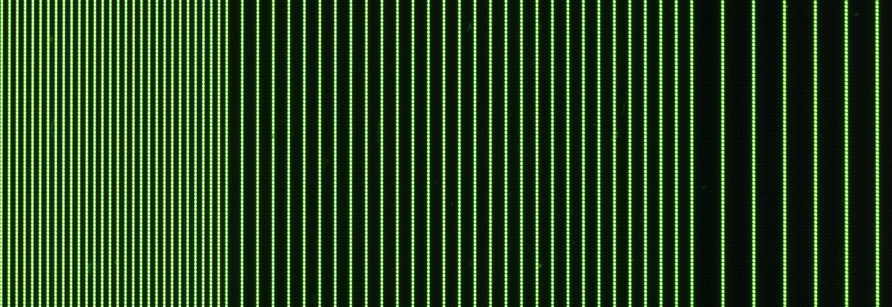 Detail photo of an iPhone 5 screen rendering the test pattern